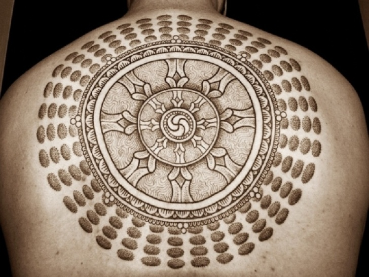 The Holy Circle Budhist Tattoos Design on Back