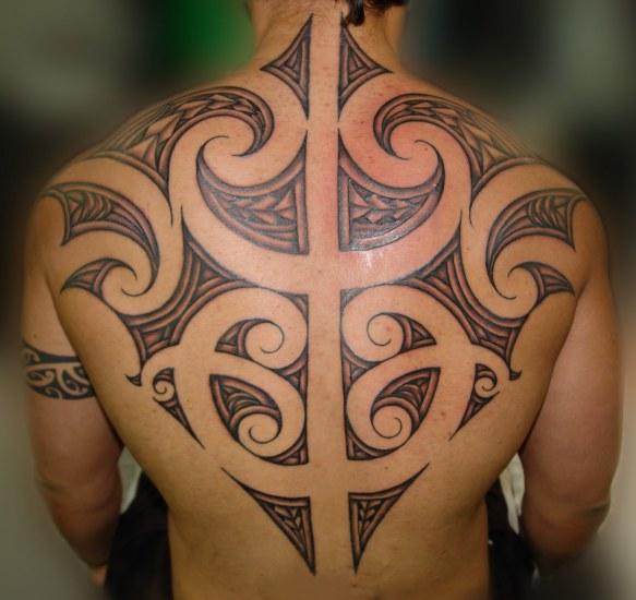 maori cool back tattoo